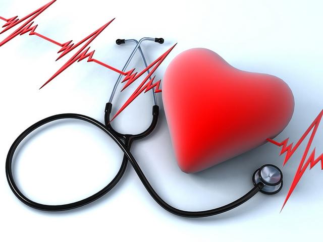 Khám một bệnh nhân tim mạch